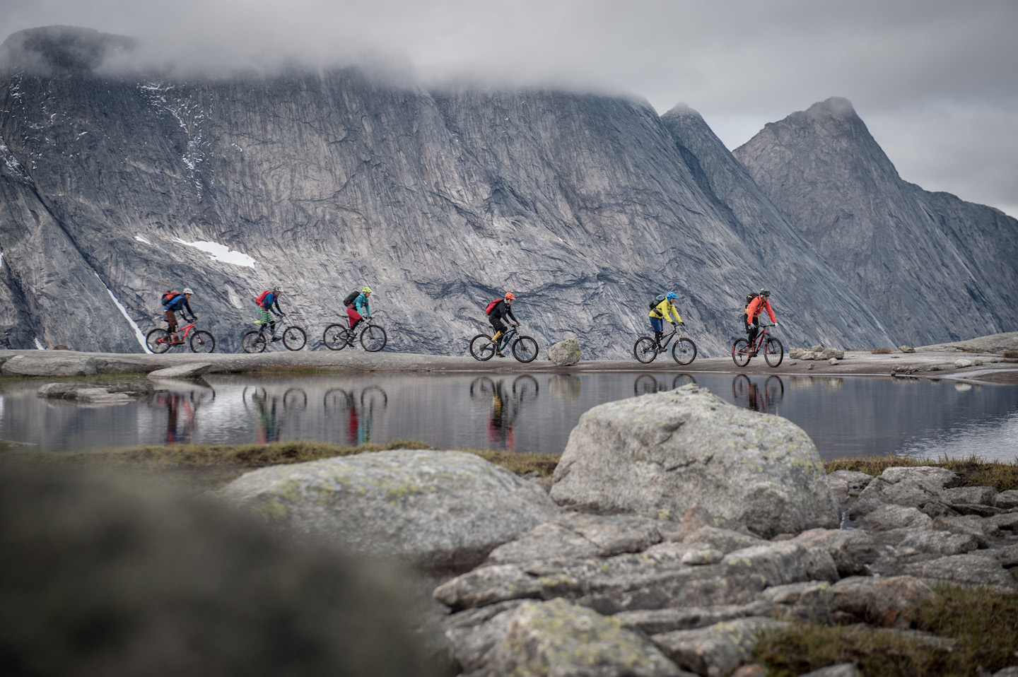 Surreale Landschaften in Norwegen | Bikefex